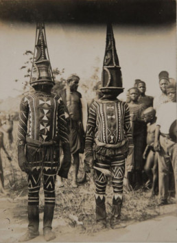 "ukpuru: "" [Greater Niger Series] "" Kwoho dancers "" Northcote Thomas, early 1900s, Edo region Nigeria"
